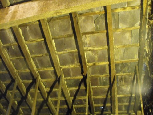 Commercial roof insulation for heating